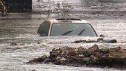 Làm gì với xe bị hư hại do ngập nước?