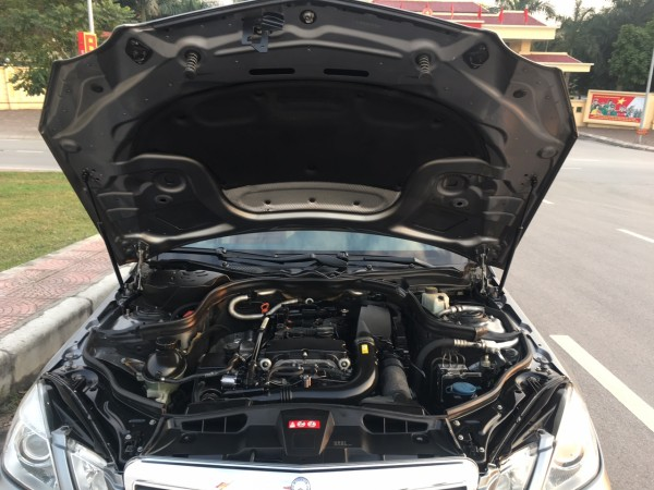 Mercedes-Benz E 250 đời 2010 màu ghi,xe chạy chuẩn 8.6vạn km