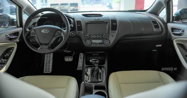Kia Cerato 2017 mới 100%