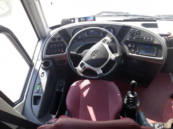 Hyundai Universe Noble U47 2019 - Tracomeco Weichai 336PS