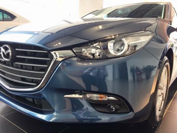 Mazda 3 Mazda 3 2017 đủ màu, có xe giao ngay.