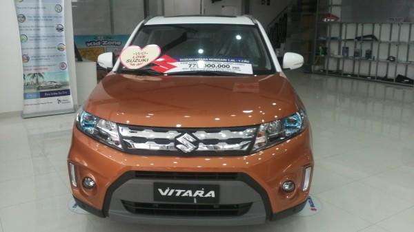 Suzuki Grand Vitara Suzuki Vitara 2016 màu cam trắng