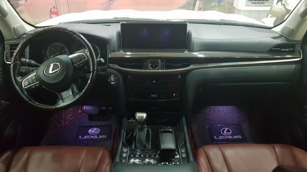 Lexus LX 570 Bán Lexus LX570  màu trắng,nội thất nâu,