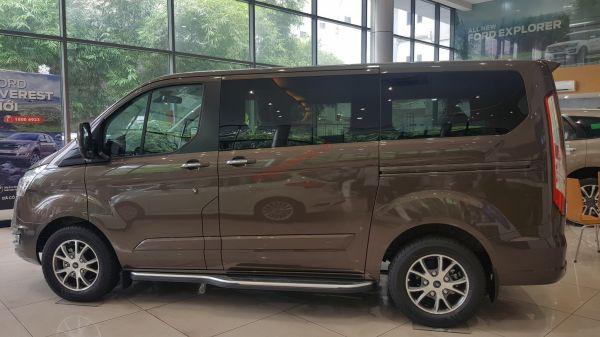 Ford Tourneo Bán ô tô Ford Tourneo 2019 Xe mới 100%