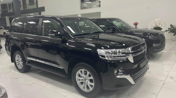Toyota Land Cruiser Bán Toyota Land Cruiser 4.6 màu đen 2021