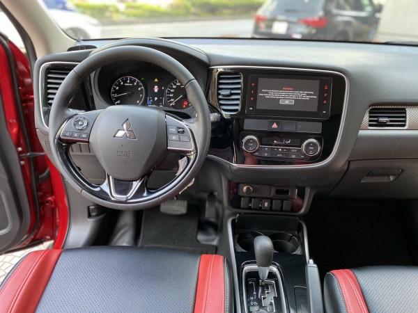 Mitsubishi Outlander Mitsubishi outlander 2.0At CVT sx 2019