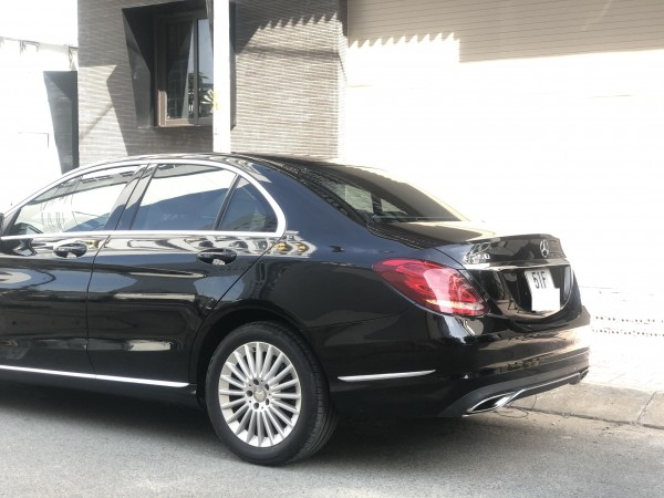 Mercedes-Benz C 250 màu đen , model 2015