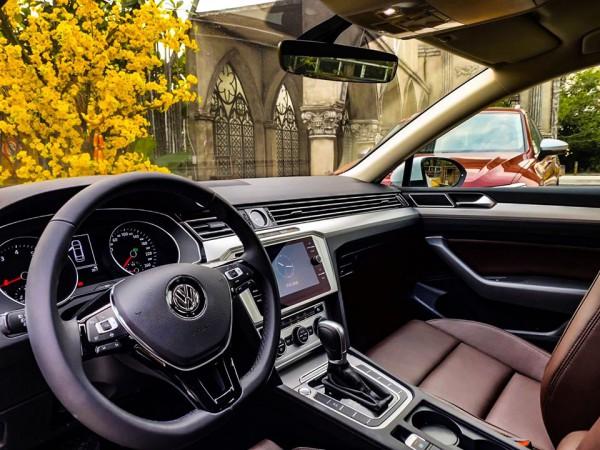 Volkswagen Passat VOLKSWAGEN PASSAT - ĐĂNG CẤP DOANH NHÂN