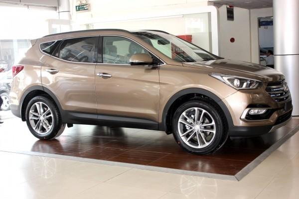 Hyundai Santa Fe 2017, 7 chỗ mới xuất xưởng