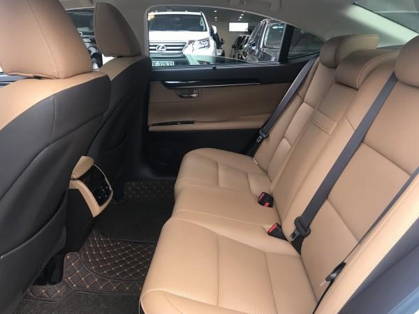 Lexus es250 2017 trắng