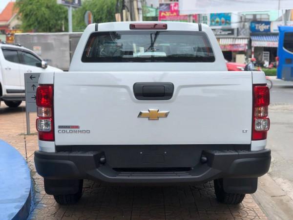 Chevrolet Colorado 4x2 AT MÀU TRẮNG GIẢM NGAY 20 TRIỆU
