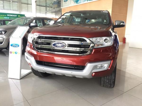 Ford Everest 2017 giao ngay giá tốt