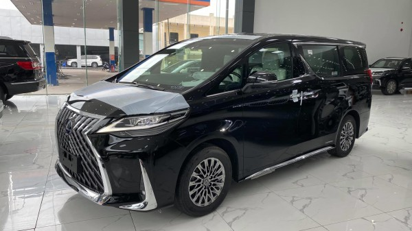 Lexus Bán Lexus LM 300h sản xuất 2020,4 chố