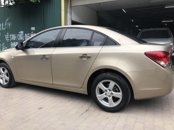 Hyundai i10 Chevrolet Cruze LTZ màu cát 2013