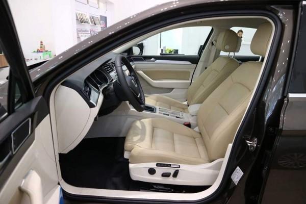 Volkswagen Passat Bluemotion,JP,hight,Comfort