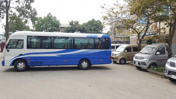 Hyundai Country County Đồng Vàng thân dài. Xe giao ngay!