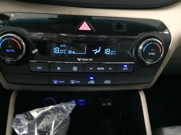 Hyundai Tucson Tucson 2.0 ĐB - Tp.HCM - Giao ngay