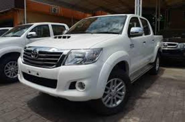 Toyota Hilux 2.5E một cầu máy dầu