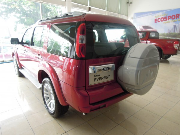 Ford Everest 4x2 MT 2014