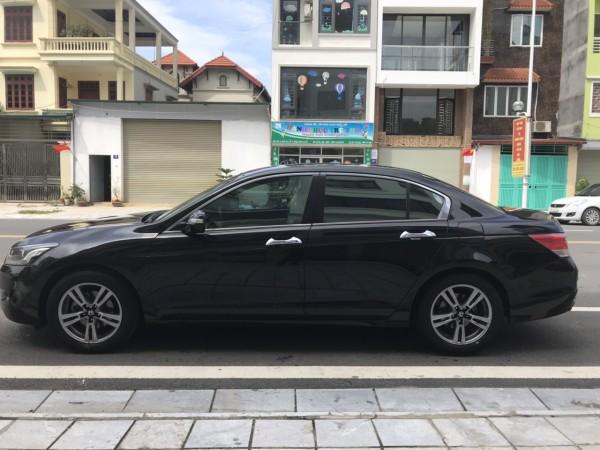 Honda Accord 2.0 2010 màu đen, giá cực tốt