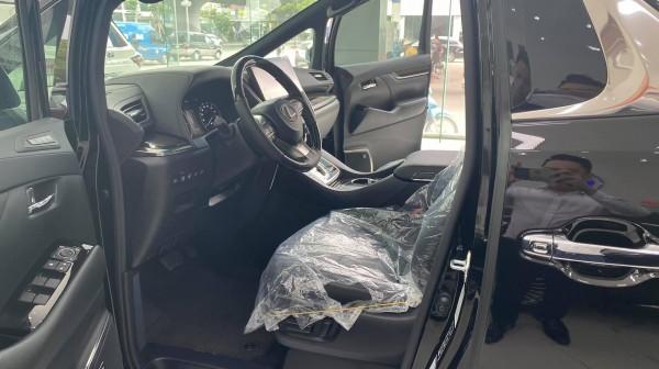Lexus LX 570 Bán Lexus LM 300H màu trắng 7 chỗ 2021