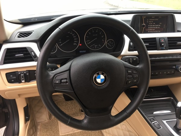 BMW 320 đời 2012 xe nhập khẩu nguyên chiếc