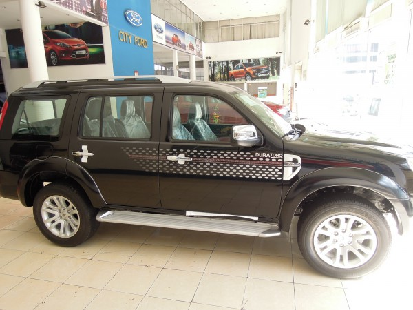 Ford Everest Ford Everest mới MT 4x2