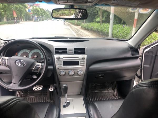 Toyota Camry SE 2010 giá 755tr xe chính chủ