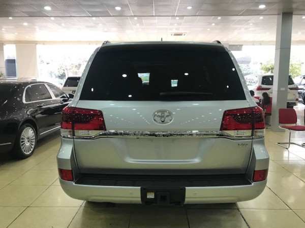 Toyota Land Cruiser Giao Ngay Toyota Landcruiser 5.7V8 2019