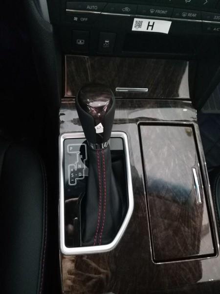 Toyota Camry 2.0E màu đen đời 2017. Giá tốt nhất