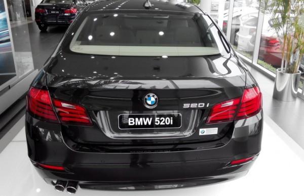 BMW 520 BMW 520i ưu đãi kịch dịp khai trương Sho