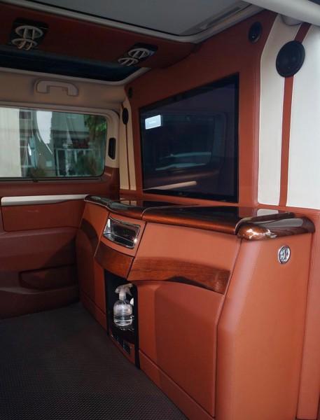 Peugeot Traveller Premium model 2020