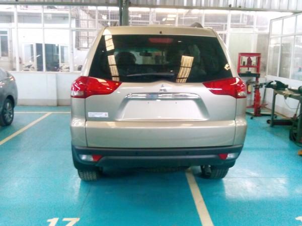 Mitsubishi Pajero Sport 4X2 giá tốt nhất giao xe ngay!!