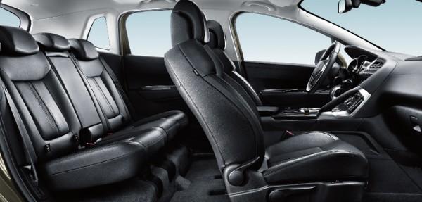 Peugeot 3008 ,xe mới,2015,màu đen
