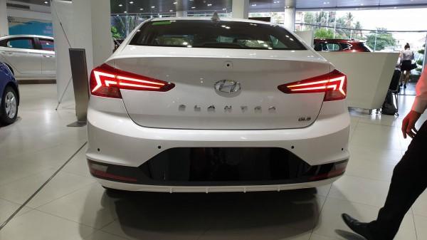 Hyundai Elantra Bán xe Hyundai Elantra - Ưu đãi kép