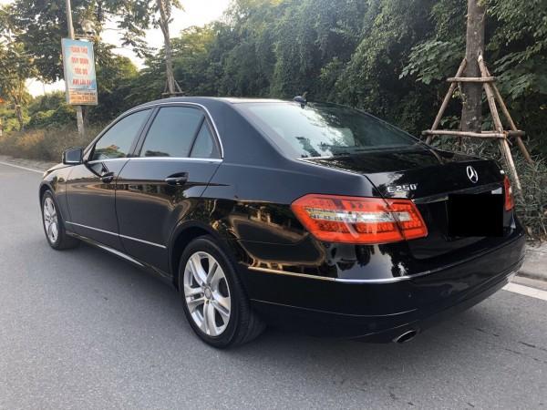 Mercedes-Benz E 250 sản xuất 2009, xe cực đẹp màu đen