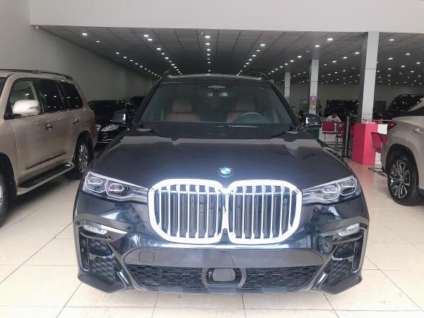 BMW Bán BMW X7 xDrive40i 3.0 màu đen 2020