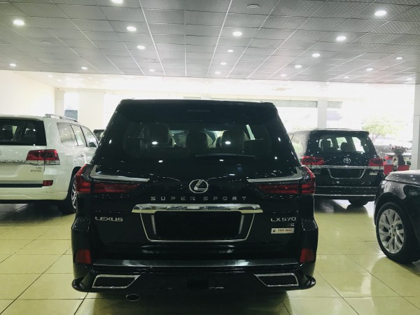 Lexus LX 570 Bán lexus Lx570 super Sport 2019,màu đen