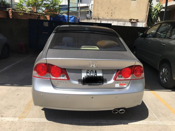 Honda Civic Xe Civic 1.8 AT màu xám bạc