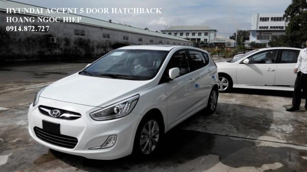 Hyundai Accent 5 cửa, bán ô tô đà nẵng
