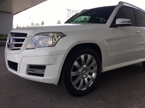 Mercedes-Benz GLK 300 2009 màu trắng, xe đẹp hoàn hảo