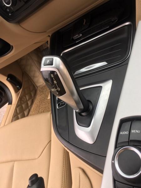 BMW 320 i đời 2012 màu nâu,xe nhập Đức