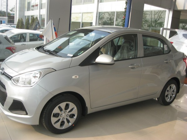 Hyundai i10 Sedan MT Base, đủ các màu hổ trợ trả góp