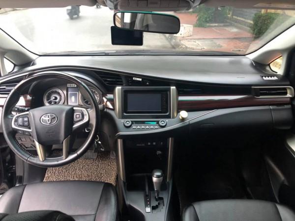 Toyota Innova ventuner 2018, số tự động, màu đen