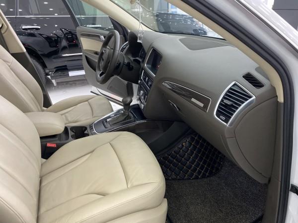 Audi Q5 Bán Audi Q5 2.0 ,màu trắng,nội thất kem,