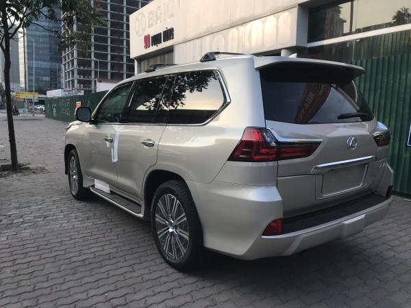 Lexus LX 570 Bán Lexus LX570 nhập mỹ,màu vàng,2018