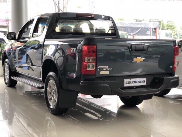 Chevrolet Colorado chỉ 150 triệu nhận ngay xe