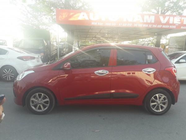 Hyundai i10 Bán Hyundai i10 1.2AT màu đỏ