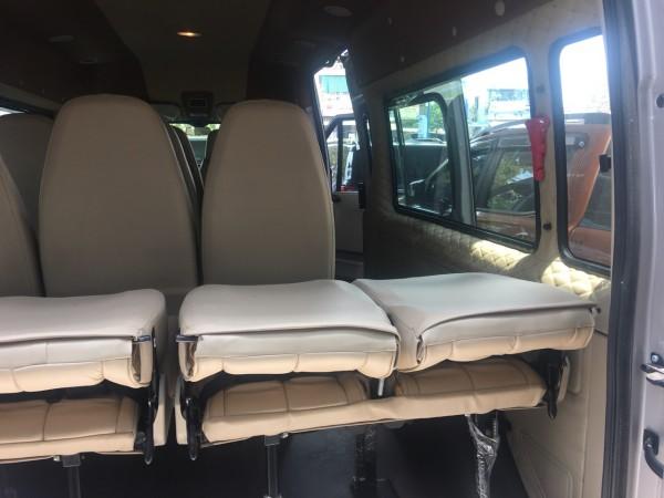 Ford Transit Kính Lùa Cao Cấp