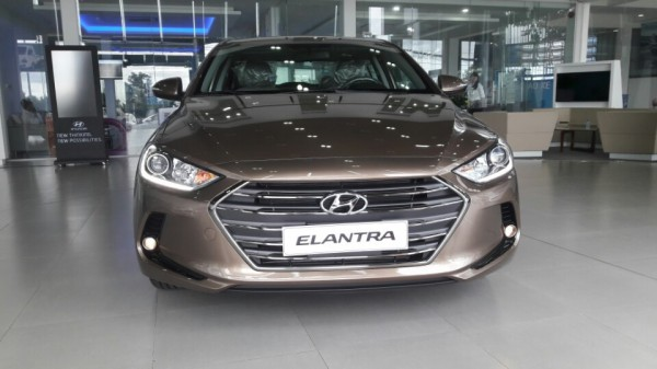 Hyundai Elantra model 2017, có xe giao ngay